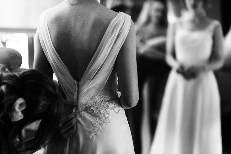 timeless wedding gown - black & white wedding photography