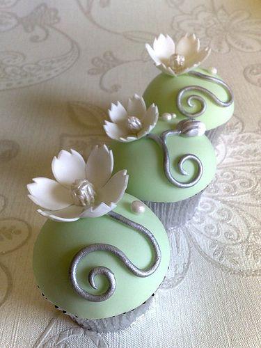 elegant wedding cupcakes! from cupcakes take the cake