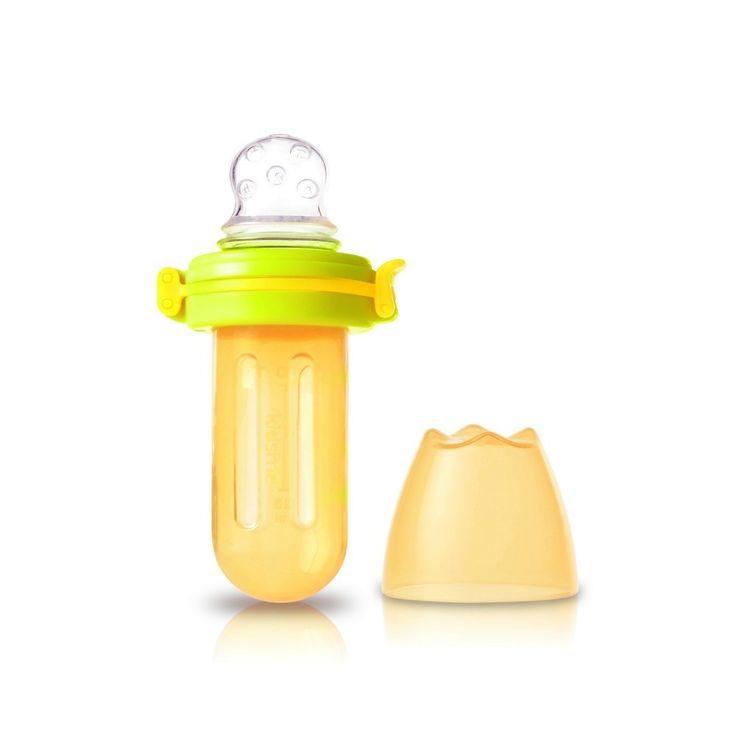Kidsme Food Squeezer. De spesielle hullene i silikon-tuten gjør at du kan ta middels flytende mat (smoothie/grøt etc) i den, og la barnet spise selv.  Kjempefin å bruke om barnet får tenner, legg kjølig frukt i beholderen for en svalende og lindrende effekt