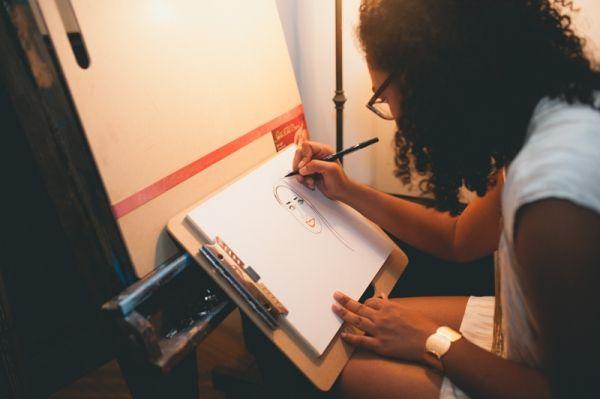 Traer a un artista para que haga caricaturas a los invitados | Carondelet House Wedding