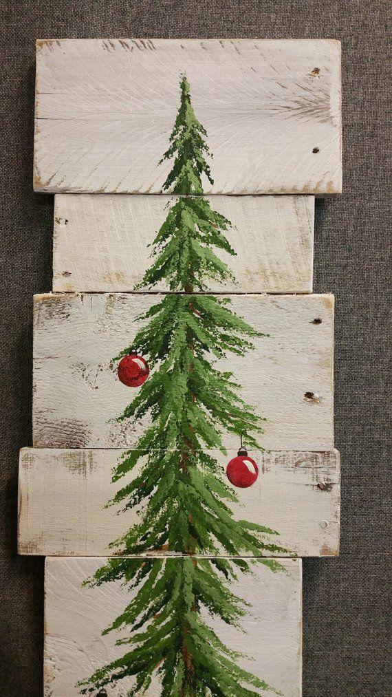 Kerstboom teken boerderij decor, Kerstdecoratie, wit gewassen, rode bollen, 3 voet naaldboom Reclaimed Pallet kunst, wintersneeuw
