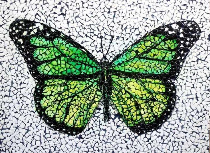 Basteln mit Eierschalen mosaik-bilder-schmetterling