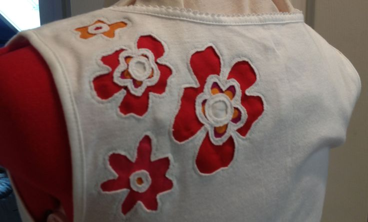 Reverse applique on a purchased t-shirt, it goes with the challenge outfit.