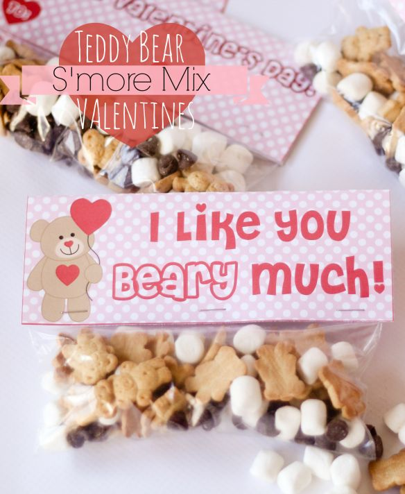 Teddy Bear S'more Mix Valentines (with Free Printables) -- this easy mix is so easy and cute for the kiddos!!
