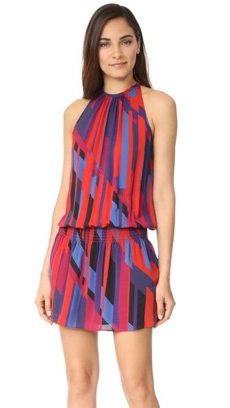 ¡Consigue este tipo de vestido informal de Ramy Brook ahora! Haz clic para ver los detalles. Envíos gratis a toda España. Ramy Brook Ibiza Geo Printed Sleeveless Paris Dress: A lively geometric print covers this silk Ramy Brook dress. Smocked elastic waist and airy blouson bodice. Button back keyhole. Sleeveless. Lined skirt. Fabric: Plain weave. Shell: 100% silk. Lining: 100% polyester. Dry clean. Imported, China. Measurements Length: 37in / 94cm, from shoulder Measurements from size S…