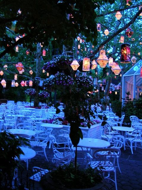 Someday I want to visit this restaurant.... Tavern on the Green. Central Park, New York City.