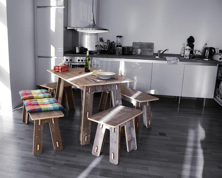 """Einfach schön! Unsere neue Möbelserie aus reinem Fichte-Dreischicht-Holz. Um den natürlichen Holzcharakter mit seiner lebendigen Maserung noch hervorzuheben, haben wir eine eigene, lasurartige Färbung entwickelt. Durch die Zugabe von echtem Kaffee erhält die grau-weiße Färbung ihre einmalige, warm-rustikale Note. Ein einzigartiger """"Shabby Chic"""". http://www.werkhaus.de/shop/index.php?cat=c594_Dreischicht-Moebel-Dreischicht-Moebel.html"""