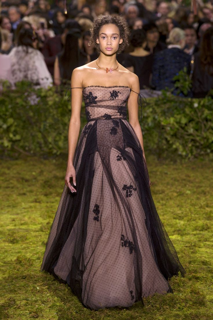 All the Looks From the Dior Spring-Summer Couture 2017 Collection