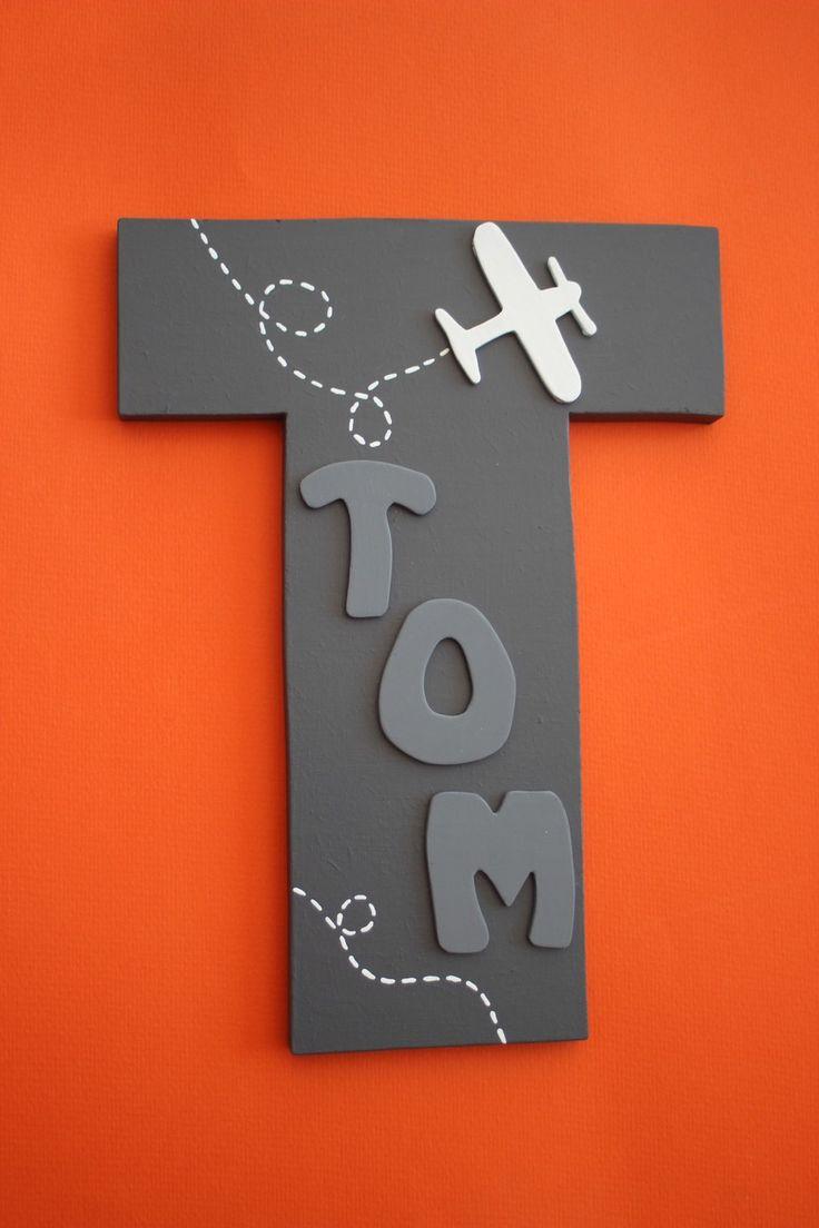 Prénom TOM en bois - plaque de porte enfant - lettres décoratives murales - coloris gris et blanc - déco chambre : Chambre d'enfant, de bébé par pepee-et-le-loup