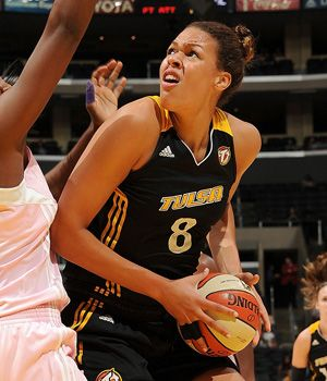 Liz Cambage Xiaoli Chen 14 Of Australia Puts Up A Shot Pictures