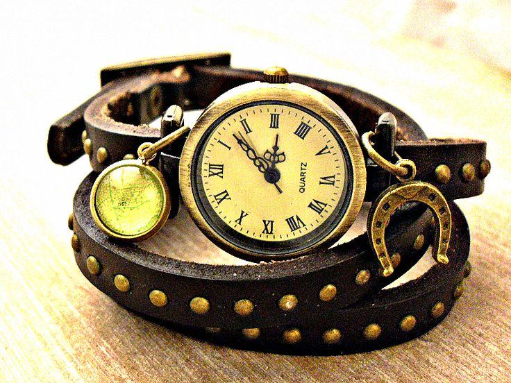 GLÜCKS SCHMIED Echtleder Wickeluhr braun Uhr antik von Schloss Klunkerstein Designer Schmuck Manufaktur & Armbanduhren für besondere Menschen. Naturschmuck, Trendschmuck, Geschenke und antike Raritäten! auf DaWanda.com