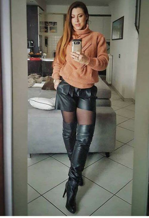 Curious leather boots and stockings selfie congratulate