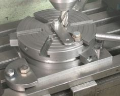 A Simple Rotary Table Without a Worm Drive (Direct Turning) - Projects In Metal, LLC