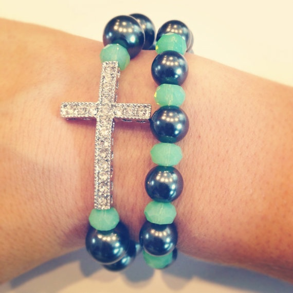 Have it in black beads = spring. Love it