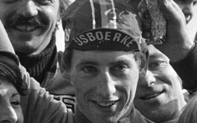 L'ancien cycliste Daniel Willems, vainqueur de la Flèche Wallonne, est décédé -                  L'ancien coureur cycliste Daniel Willems est décédé vendredi à l'âge de 60 ans.  http://si.rosselcdn.net/sites/default/files/imagecache/flowpublish_preset/2016/09/03/2055153327_B979603530Z.1_20160903094558_000_GRU7HIHSP.2-0.jpg - Par http://www.78682homes.com/lancien-cycliste-daniel-willems-vainqueur-de-la-fleche-wallonne-est-dec