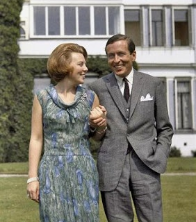 1965 prinses Beatrix en prins Claus verloven zich.  (I lived there in 1965 and got to watch their wedding festivities on TV. MBG - 12/20/13)