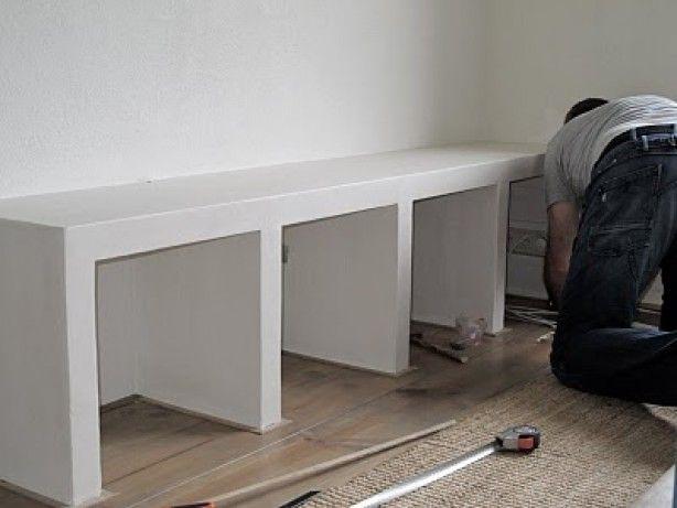 Kast gemaakt van betonblokken interieur zelf maken for Eigen huis en tuin kast maken