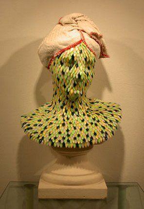 Enrica Borghi - busto di donna - 2001