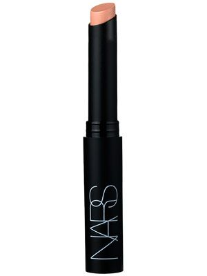 Really awesome lipstick for the perfect Kim Kardashian nude lip. It's a matte lipstick so if you have dry lips might want to put a lip balm on first! Nars Matte lipstick in Madere <3