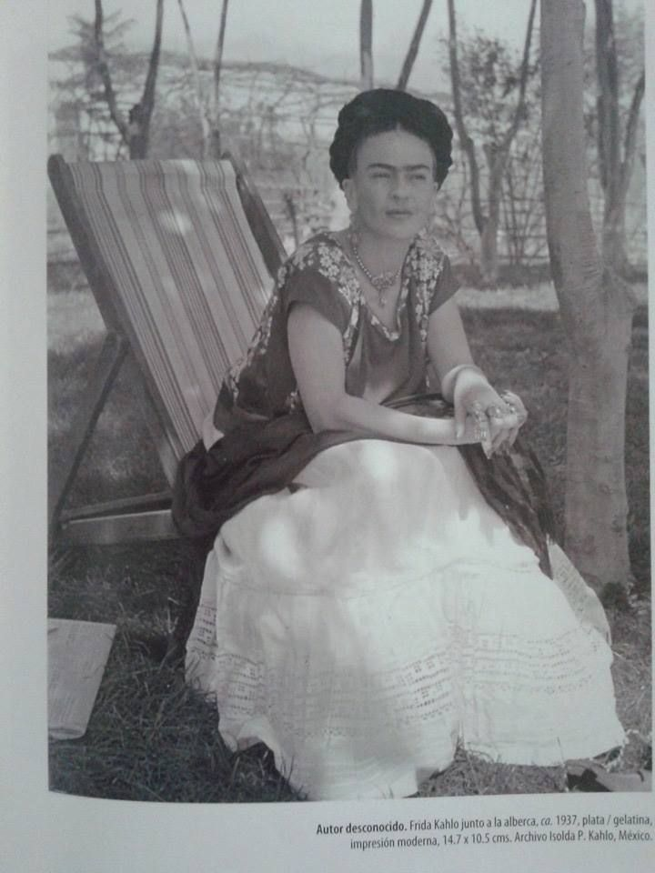Unknown author, Frida Kahlo at pool ca 1937