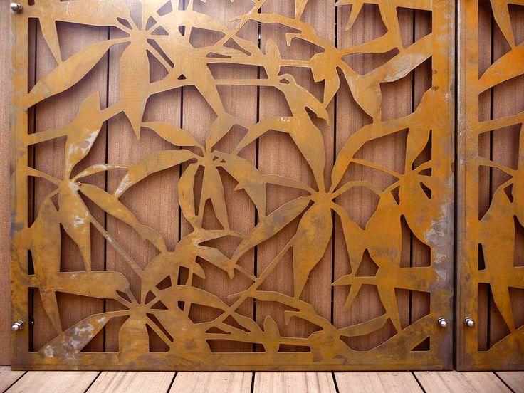 logical space design / terrazza in lamiera di acciaio cor-ten con il design della schefflera arboricola