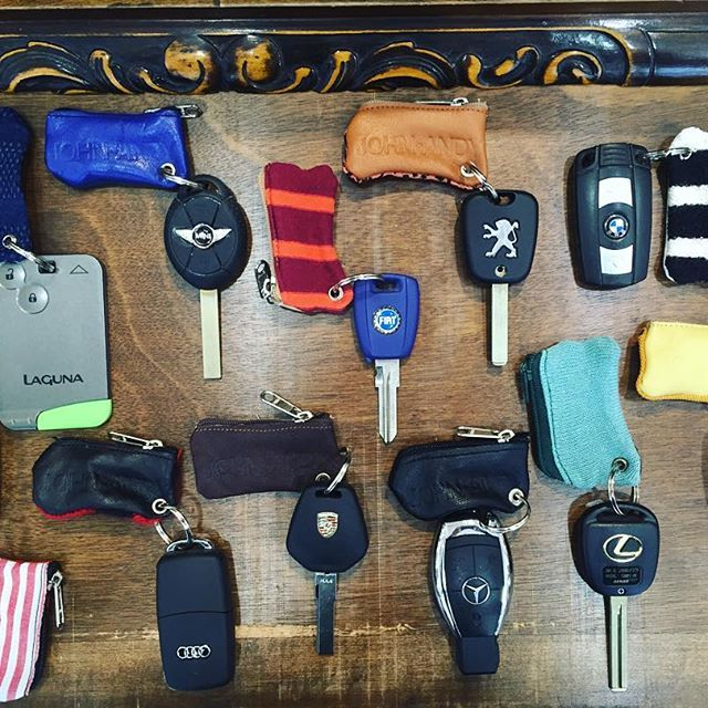 I #like to #drive my #car with my #lovely #johnandy #keyholder #honda #mini #fiat #peugeot #bmw #audi #porsche #mercedes #lexus #citroen #renault  https://www.john-andy.com/gr/menclothing/accessories/keychains.html?limit=all