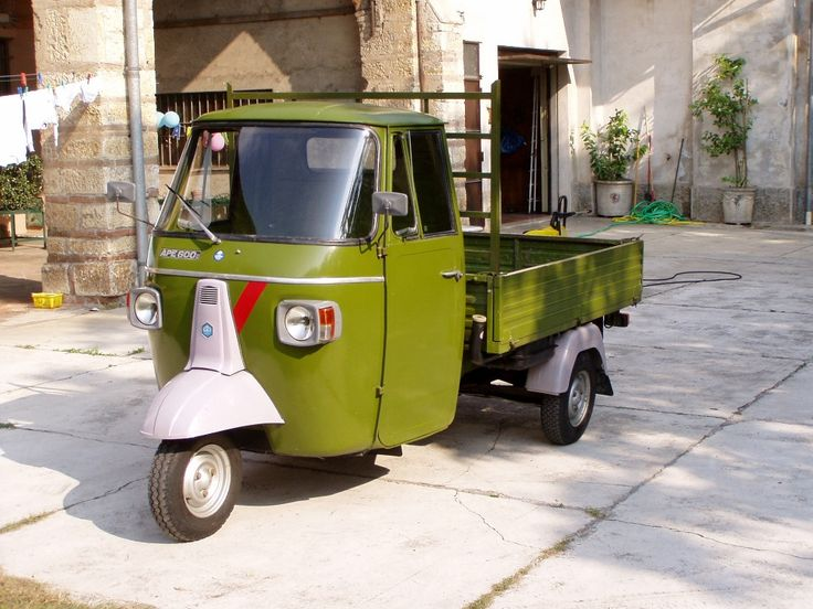 les 25 meilleures id es de la cat gorie triporteur piaggio sur pinterest caf truck vendre. Black Bedroom Furniture Sets. Home Design Ideas