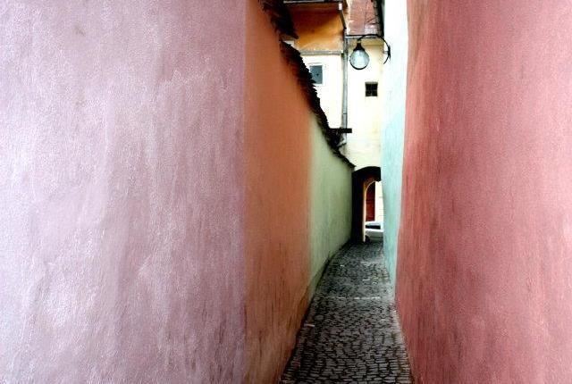 Strada Sforii - Rope Street - narrowest street in Europe - Brasov