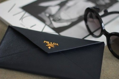 prada. envelope wallet. gold hardware. | Must-Haves | Pinterest ...