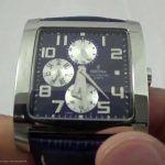 Eckige Herren-Armbanduhr von Festina mit kleinem Gehäuse: http://herrenuhren-xxl.de/shop/festina-f16235-f-eckige-herrenuhr-elegante-analoguhr-mit-schwarzem-lederarmband/