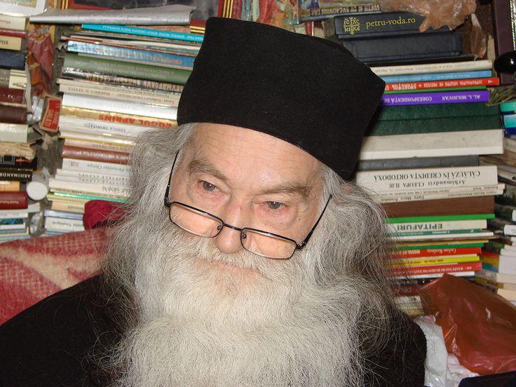 Părintele Justin ~ https://ro.wikipedia.org/wiki/Iustin_P%C3%A2rvu