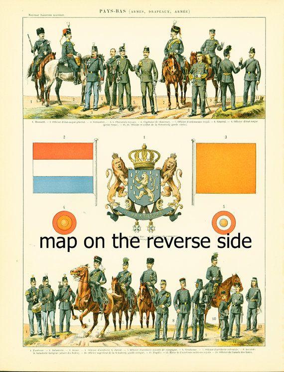 1897 Pays-Bas, Uniformes militaires et Drapeaux, Gravure historique, Nouveau Larousse illustré Grand Format Illustration 115 ans d'âge