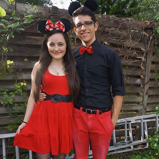 92 best halloween costumes images on pinterest costume ideas adorable disney couples costumes mickey and minnie mouse solutioingenieria Image collections