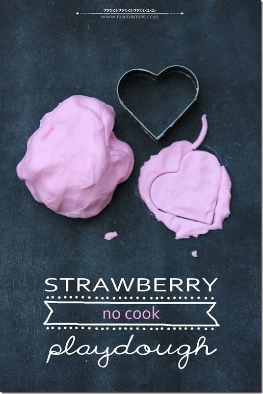 Strawberry No Cook Playdough | @mamamissblog #sensory #simpleactivity #playdough