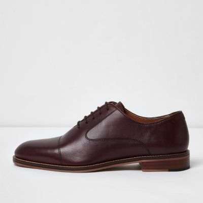 River Island Mens Dark red lace-up Oxford shoes #oxfordshoesoutfit