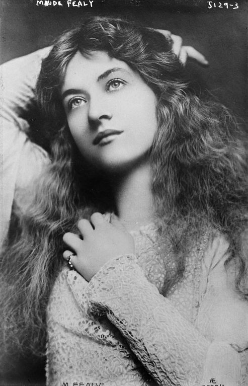 Broadway and Hollywood actress Maude Fealy, undated photograph from the Bain News Service. From her biography and a comparison of other photographs (e.g. this excellent gallery), this was likely taken by Lizzie Caswall Smith between 1900 and 1902.