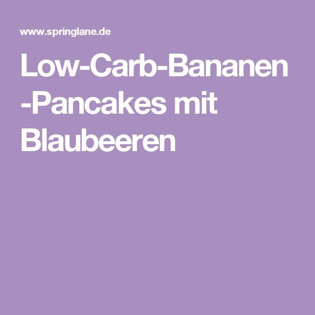Low-Carb-Bananen-Pancakes mit Blaubeeren