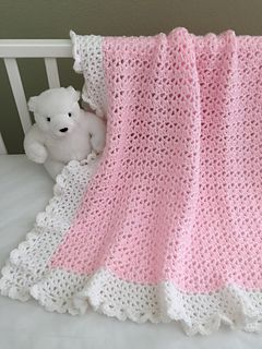 ♥ Crochet baby blanket pattern with a beautiful lace border! #crochet #baby…
