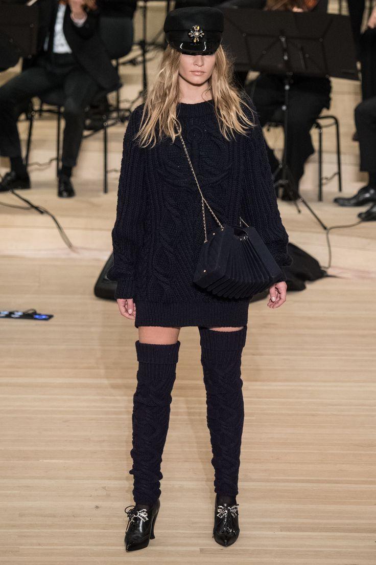 Chanel Pre-Fall 2018 Fashion Show