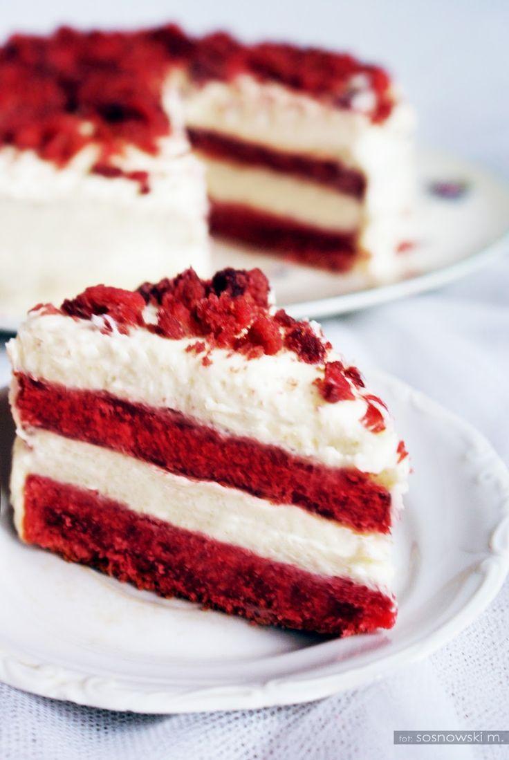 Oryginalne ciasto Red Velvet Cake z mascarpone. Wystarczy godzina, aby zakosztować specjałów amerykańskiej kuchni! Słodki smak i piękna dekoracja na stole!