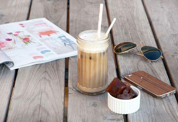 Opskrift på et glas lækker iskaffe