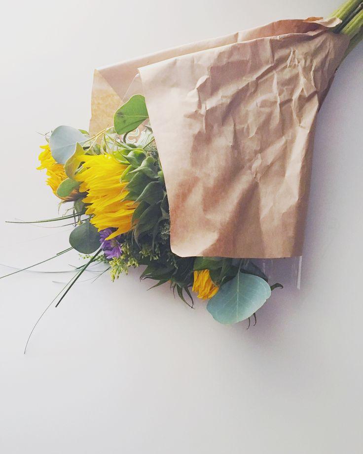laugh in flowers   dedra writes