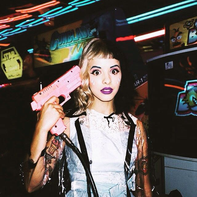 My fave pic of Melanie Martinez!!!