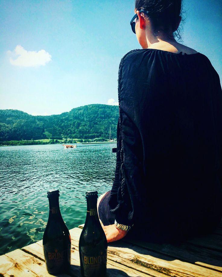 #Sommer #Sonne #Wörthersee ❤️ dazu ein leckreres #Bierchen welches auch noch so stylisch verpackt ist ❤️ #Blondine & #Brunette ist ein #craft Bier auf #champagner #Hefe Basis und schmeckt super frisch und lecker ❤️ #luxury #exclusive #highendbeer #Lifestyle #thefinerthingsinlife #craftbeer #germanbeer #quality #luxurybeer #luxurylifestyle #luxusbier #luxuryblog #velden #austria