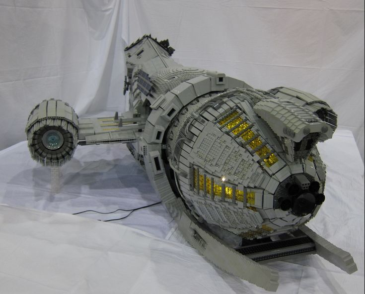 Stunning 7-Foot-Long LEGO SERENITY Ship! - News - GeekTyrant