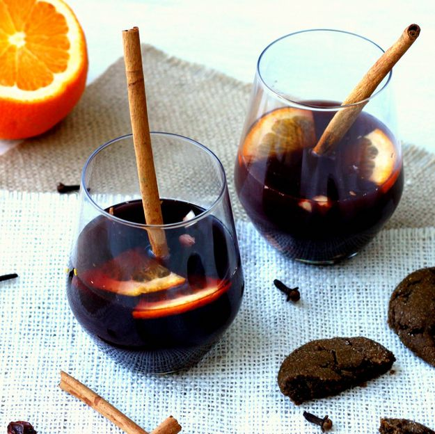Mulled Wine | 21 Big-Batch Cocktails To Get Your Family Drunk On Thanksgiving