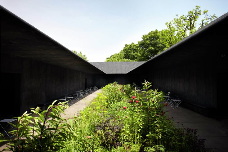 Serpentine Gallery Pavilion 2011 / Peter Zumthor,Serpentine Gallery Pavilion 2011, designed by Peter Zumthor. Photo by John Offenbach
