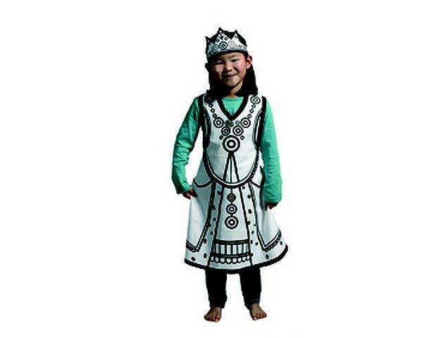 Kostuum koningin *** Dit koninginnenkostuum om zelf in te kleuren is gemaakt van 100% katoen en bedoeld voor kinderen van drie tot acht jaar (one size). Er zit ook een kroontje (van stof) bij. Wordt geleverd in mooie kartonnen verpakking inclusief 4 textielstiften. Just colour it, wear it and play!!