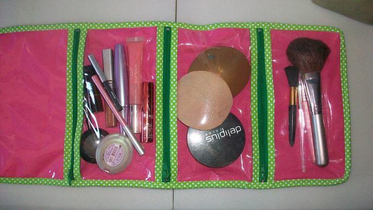 neceser productos de maquillaje