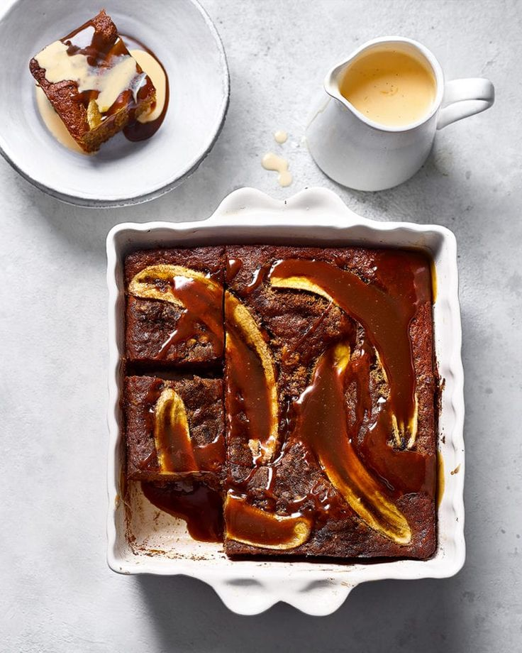 Pudding Desserts, Dessert Recipes, Banana Recipes Easy, Afternoon Tea Recipes, Souffle Recipes, Caramelized Bananas, Yogurt Cake, Dinner Party Recipes, Chocolate Topping